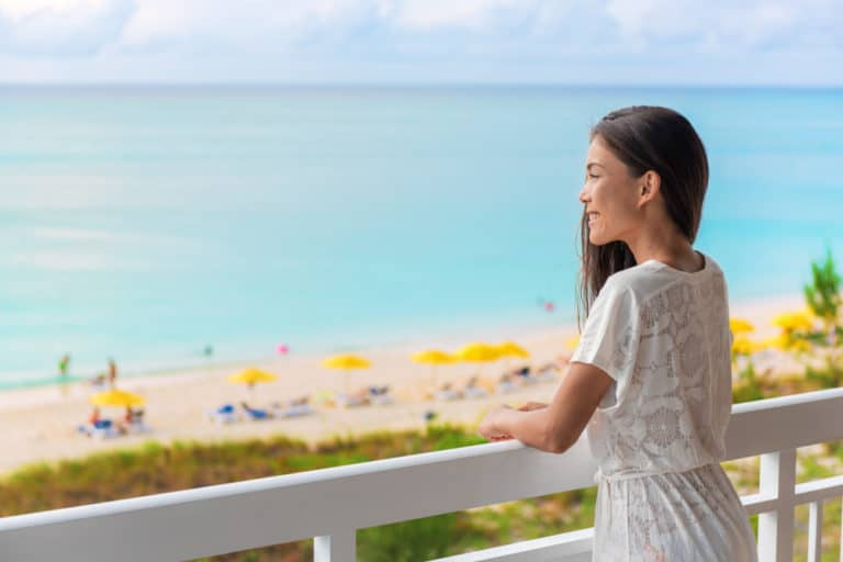 What Is The Difference Between Beachfront And Oceanfront?