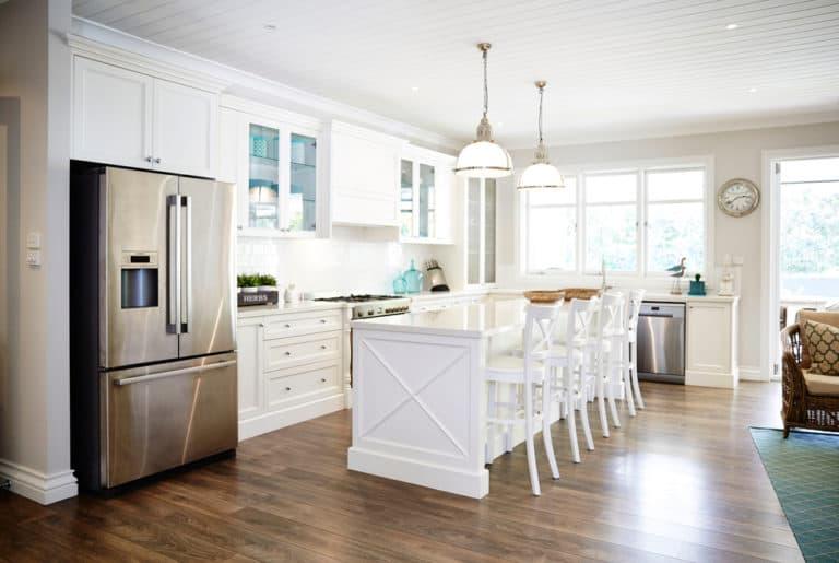 7 Awesome Coastal Kitchen Lighting Ideas