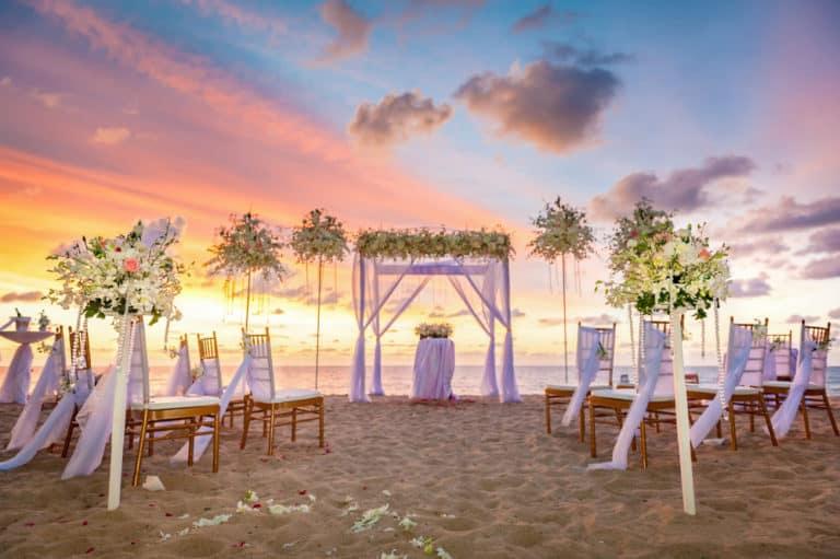 Is A Beach Wedding Cheaper?